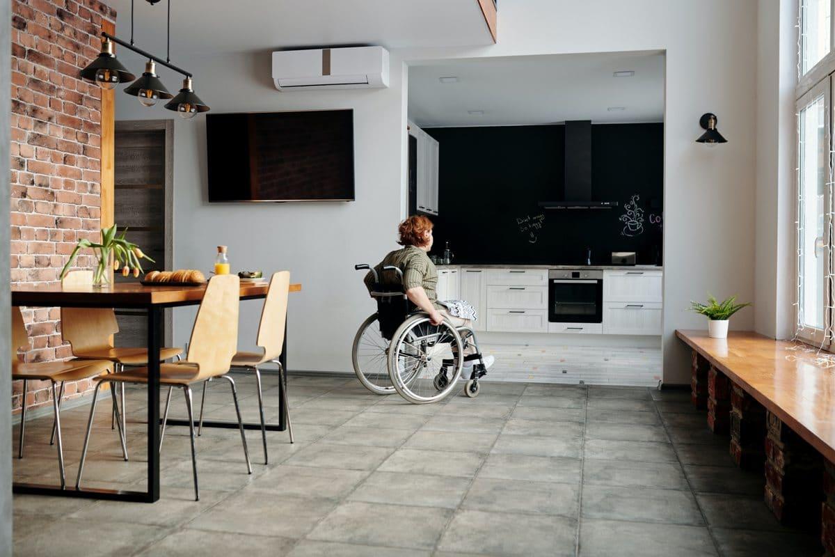 La victime handicapée a besoin d'un logement adapté à son handicap. Si le dommage corporel est indemnisable par la loi ou un contrat d'assurance, le cout de ce besoin en logement adapté peut être comptabilisé dans le montant de son indemnisation. Maître Carla GEROLAMI accompagne les victimes handicapées pour faire valoir leur droit à une réparation intégrale de leurs préjudices